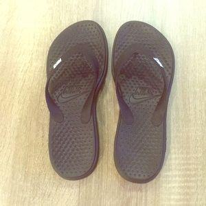Black Nike Sandals size 7 women. NWOT